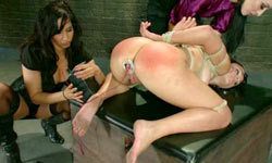 Leyla Black dominated by two lesbians